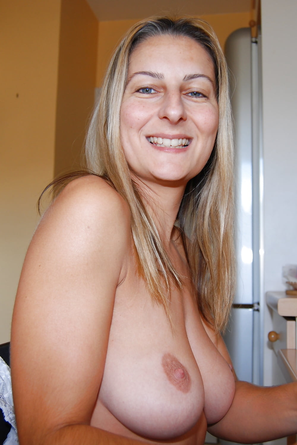 Images of hot milfs with saggy boobs — pic 6