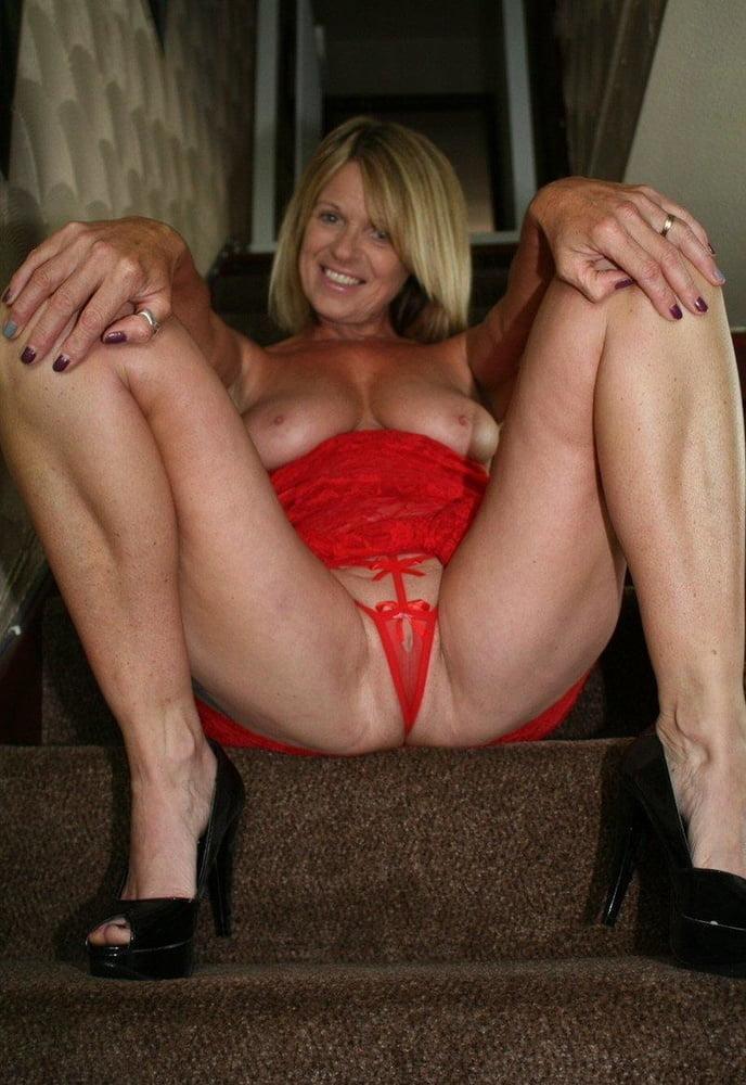 Busty mature webcam