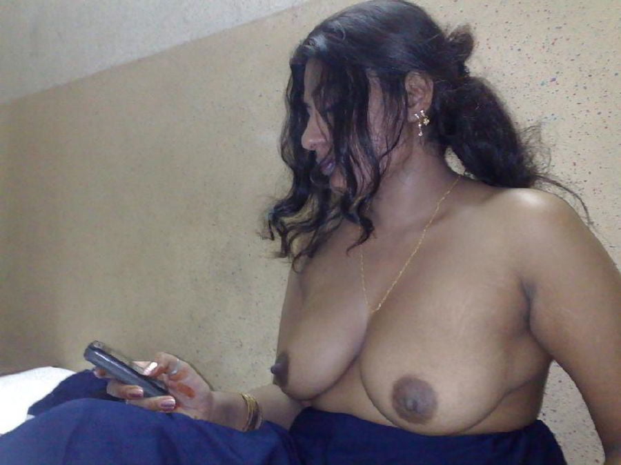 Indian aunty bra leaked hd photo