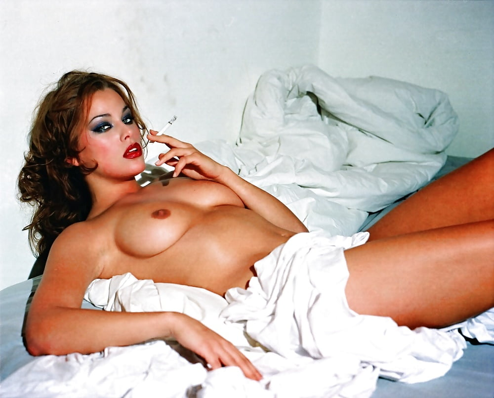 Nude melania photos-9351