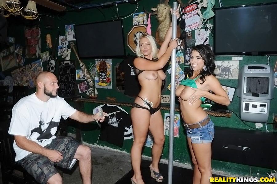 GIRLS at the CLUB - 206 Pics