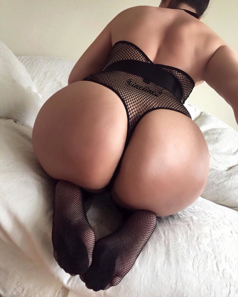 Sexy hot milf - 140 Pics