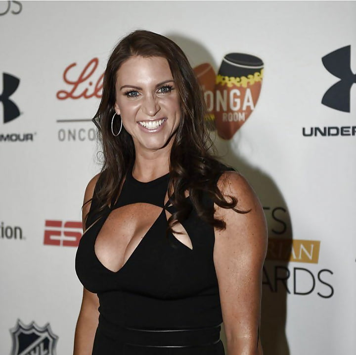 stephanie mcmahon titts