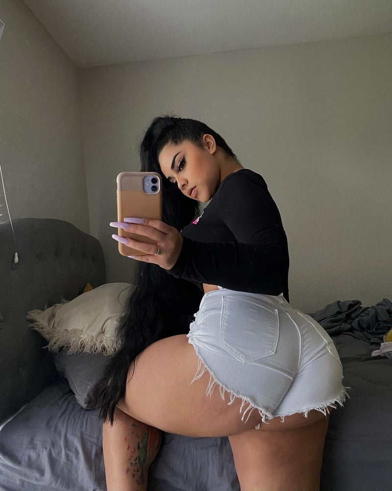 Ass or Titties - 48 Pics
