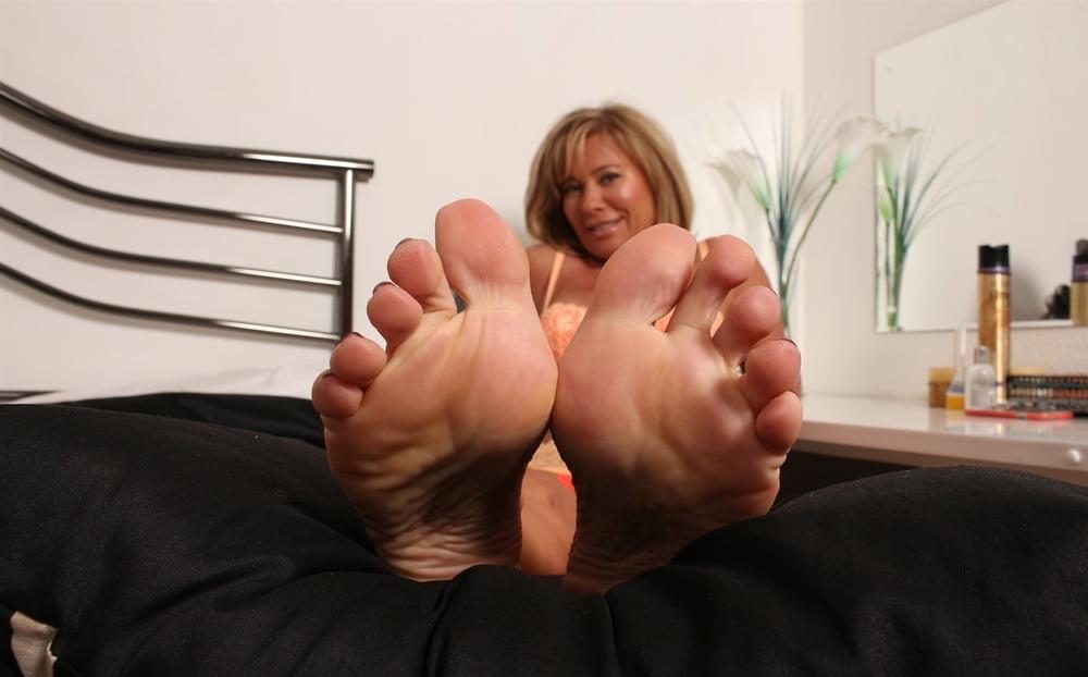 i-love-milfs-feet