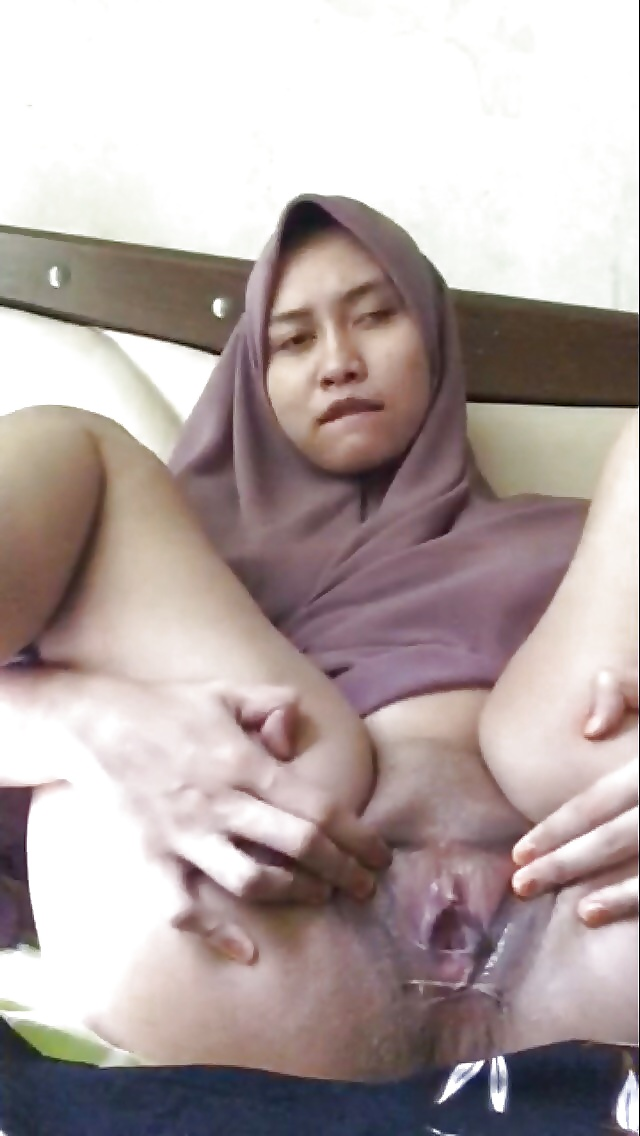 selfshot malay woman pic naked
