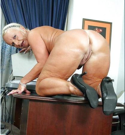 Naked gilf big ass Greyhaired Mature Grannies Fat Ass 28 Pics Xhamster