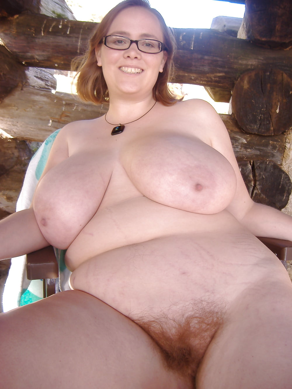 Pregnant twins nude