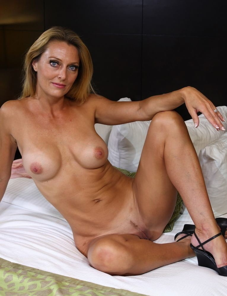 sexy-young-naked-milf-pics-young-leaf-sex-stories