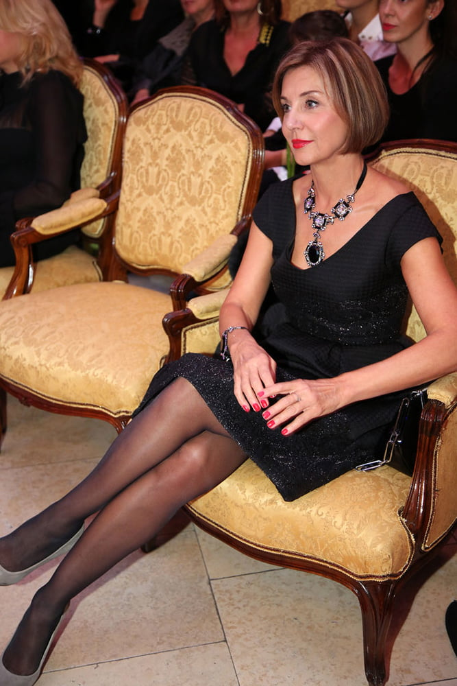 Mature Women Fully Dressed 50