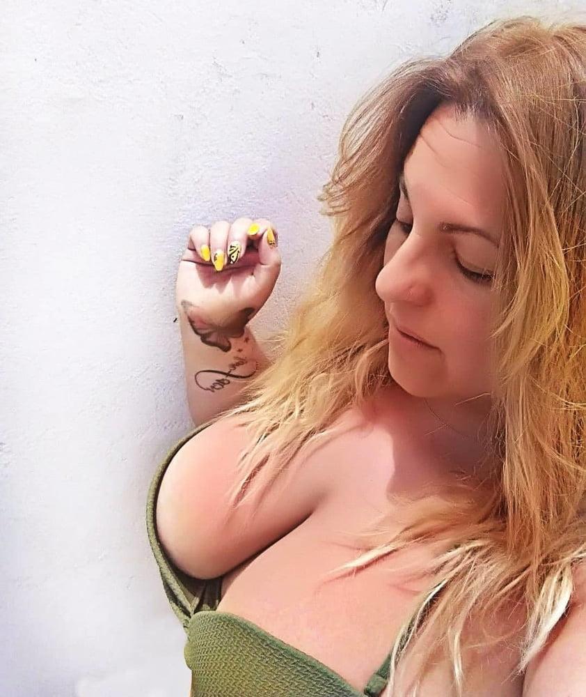 Fun looking fattie blonde- 183 Pics