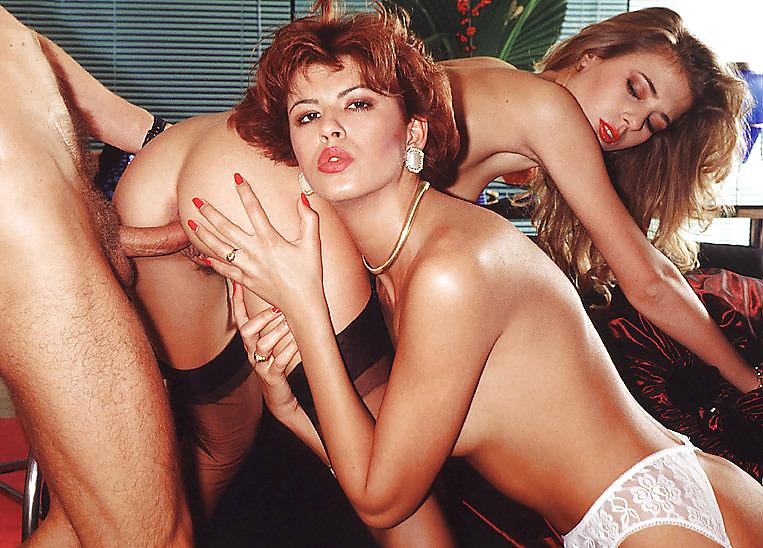 Художественный порно фильм о дебби юбкой