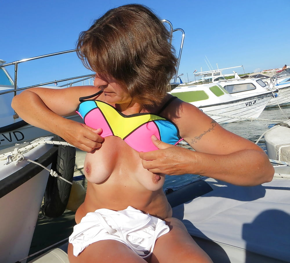 Milf small tits video-4267