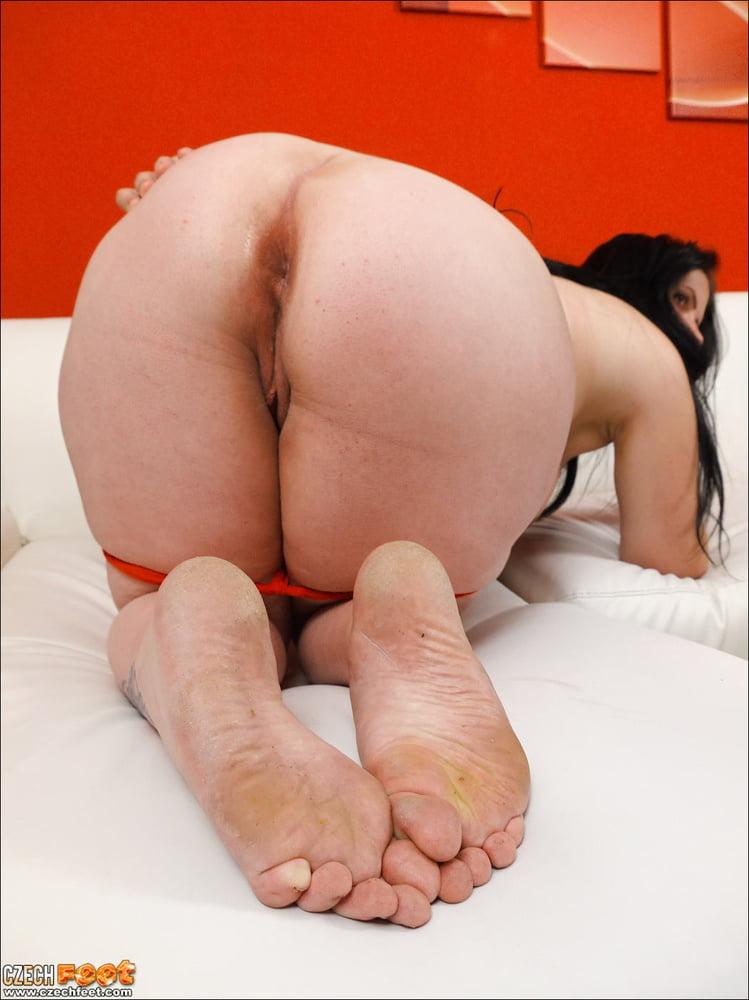 Chubby amateur wife tube #1