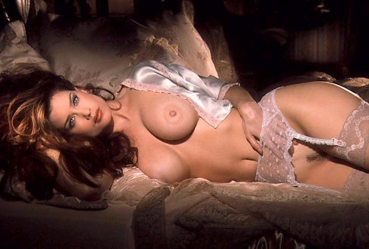 Carrie Stevens - 22 Pics