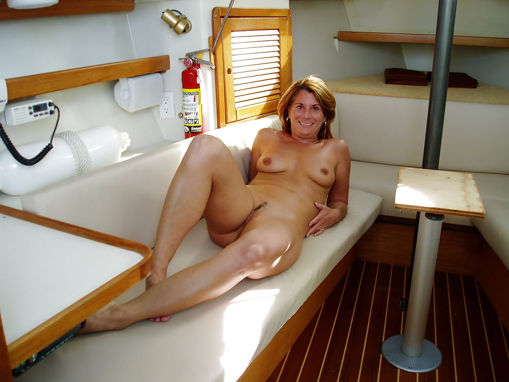 Mature nude houseboat