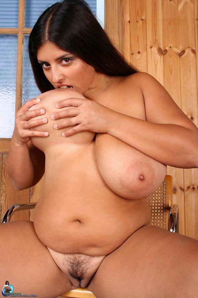 Redtube chubby brunette — pic 14