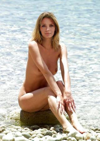 naked Mischa photos barton