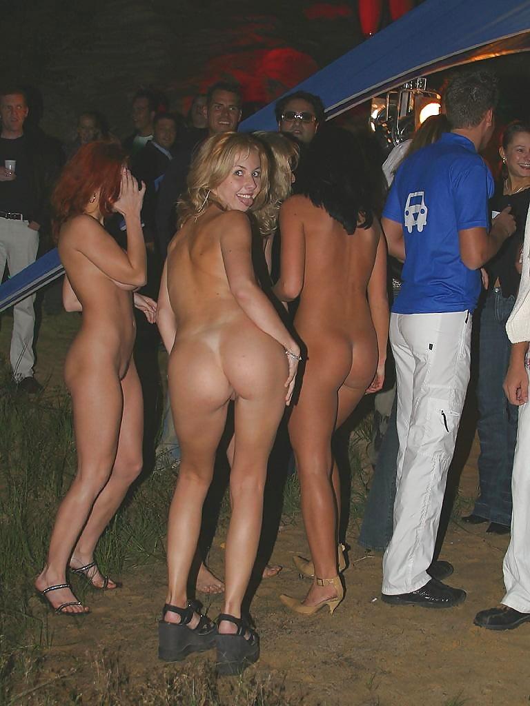 Blonde amateur babe jakki nude in public