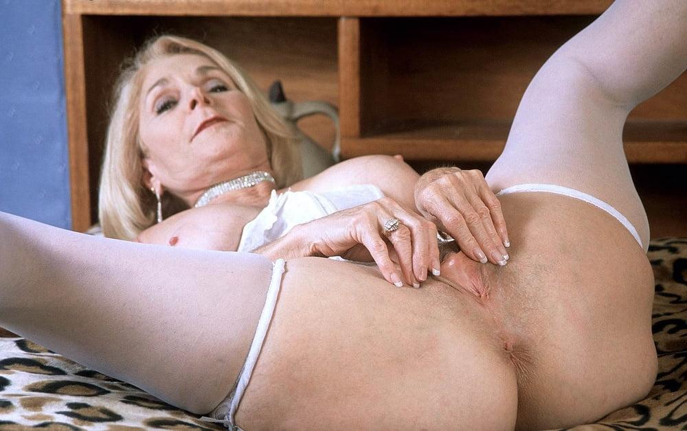 granny-masturbation-porn