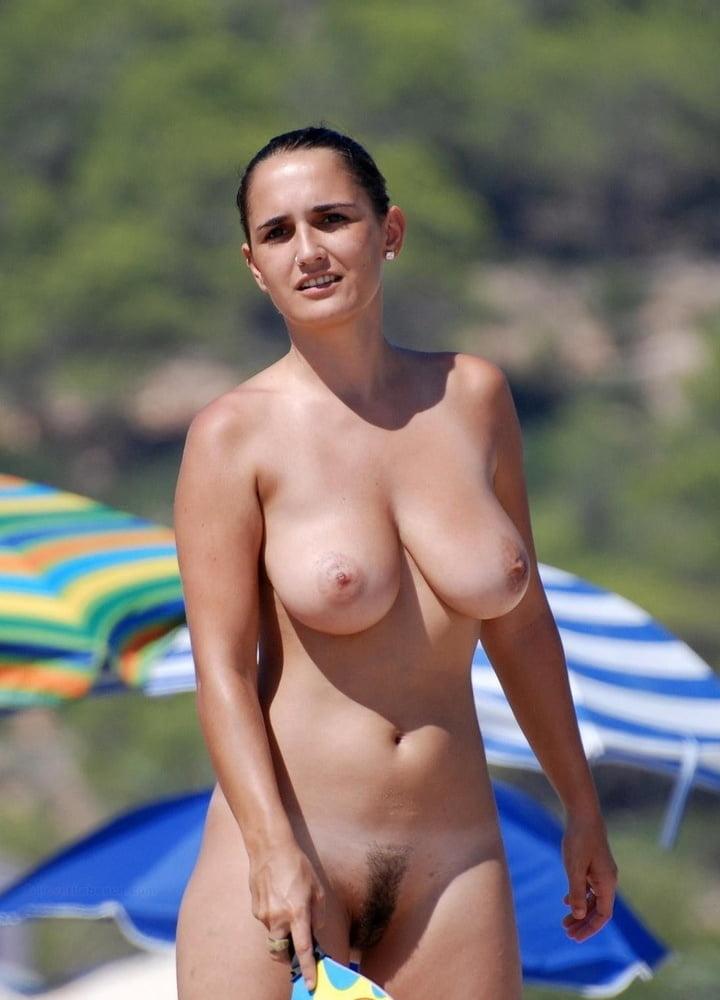 Hot nude beach models