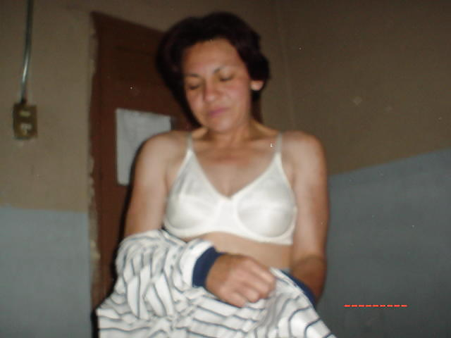 Abuleas nudistas y calientes senora de las cuatro decadas - 2 part 1