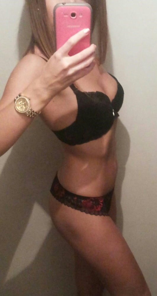 Shared photo's of ex-girl - 31 years woman - 8 Pics