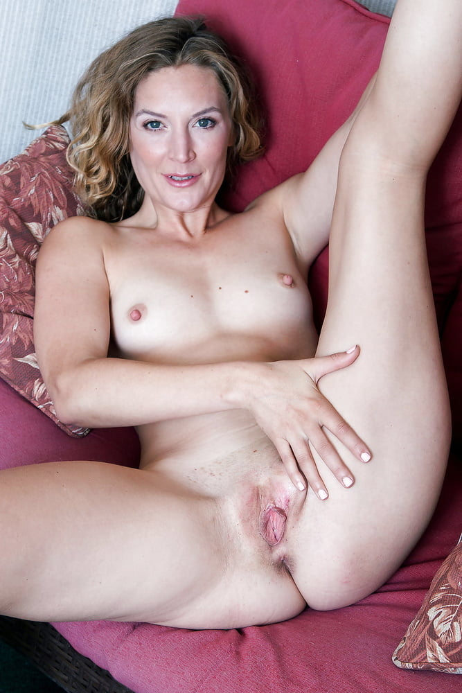 Mona Wales Mature Porn LaidHub 1