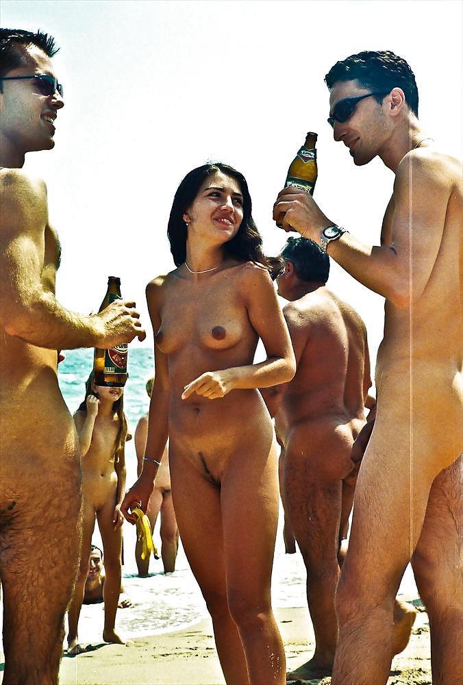 Barbati class more more nude poze title