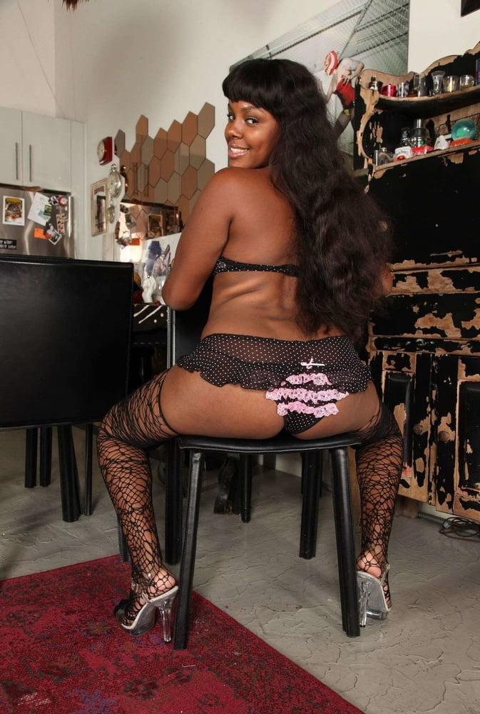 I love Black Girls - 220 Pics