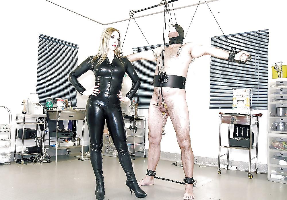 femdom-bondage-clothing-girl