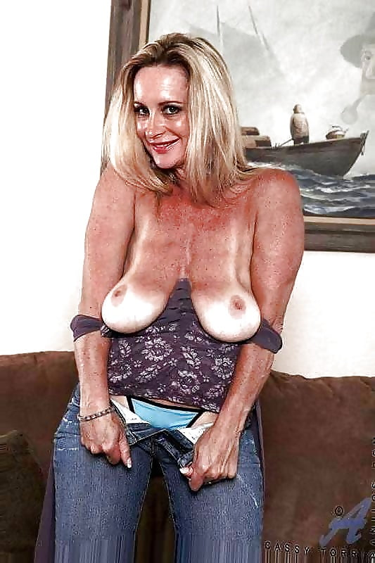 Mature saggy tits and milf porn pictures