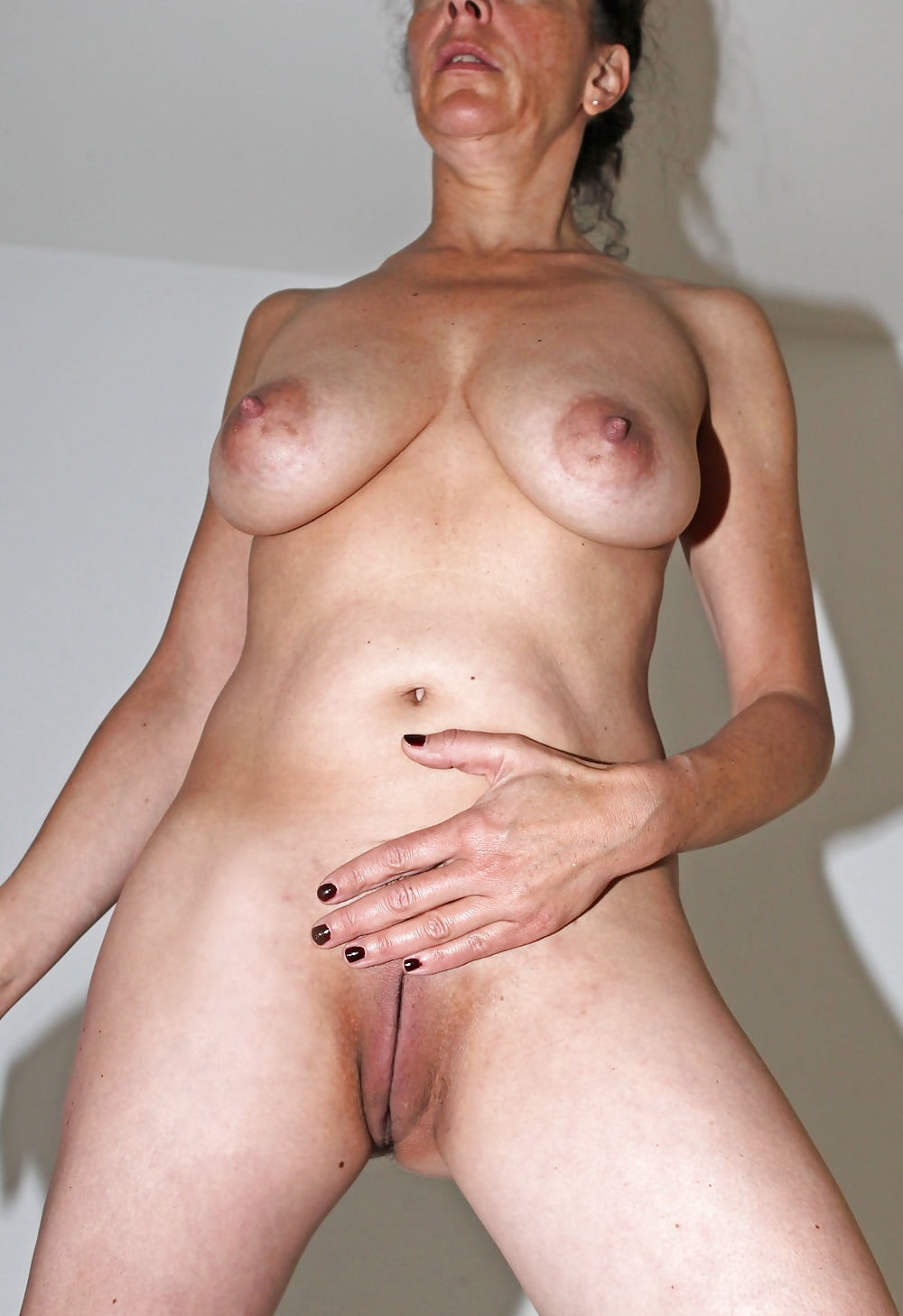 free-amateur-mature-housewives