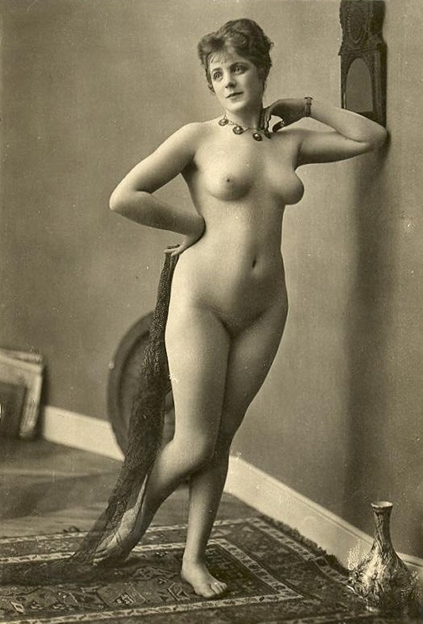Vintage female nudes, republican dominican nude models