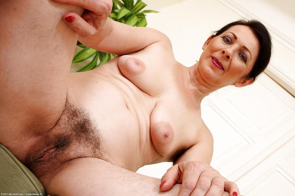 looking-black-older-woman-hairy-pussy-girl