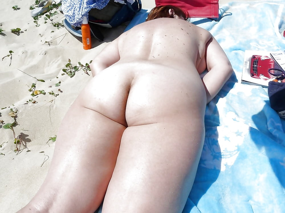 Sexy chubby ass in the beach, cy young pictures