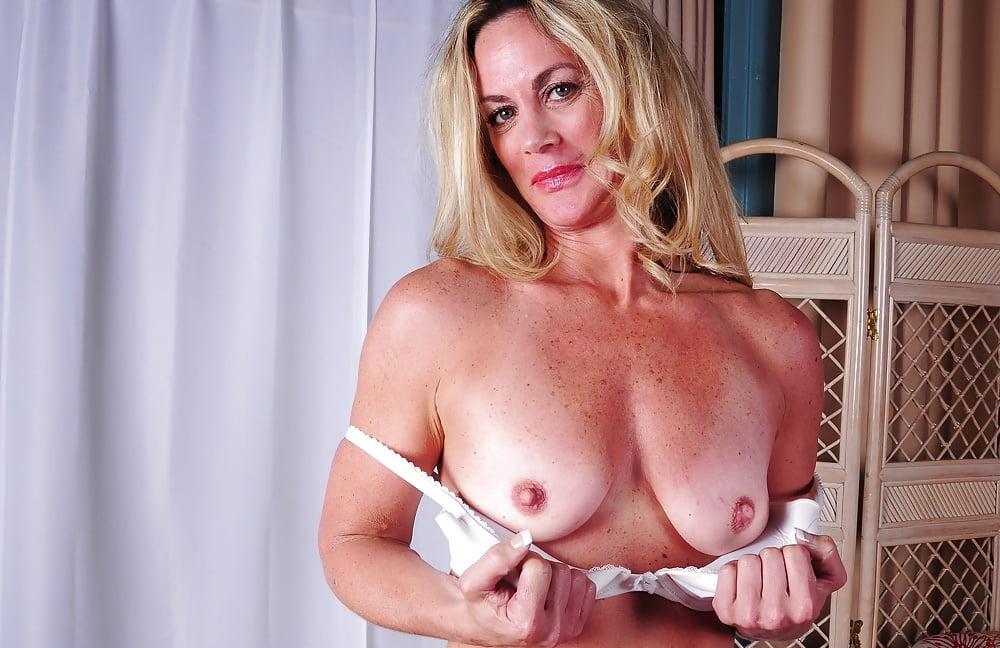 sex-position-free-milf-lust-next-door-bondage-tgp