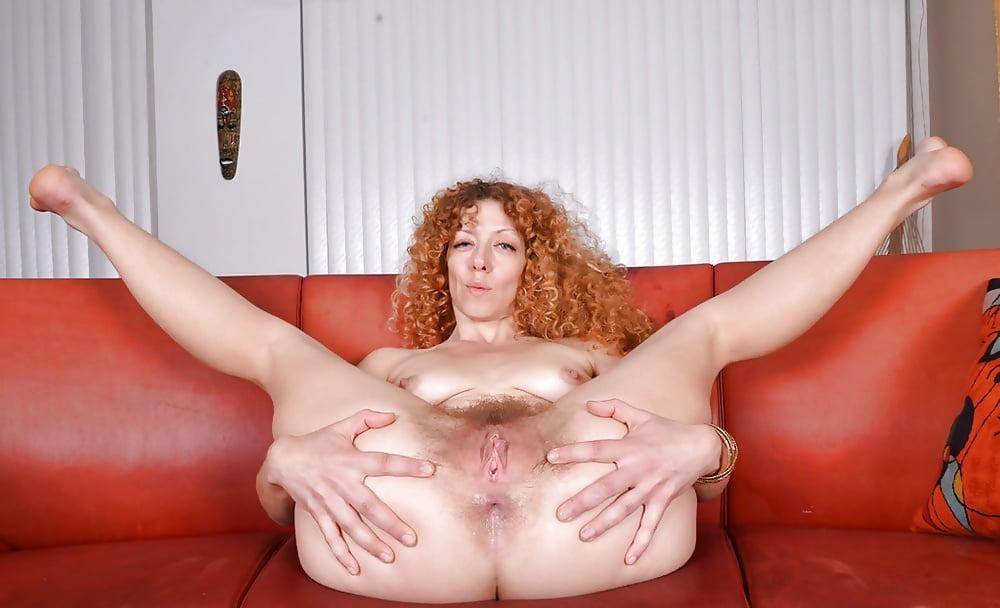 mature-open-redhead-wide-fotos-nude-de-icarly
