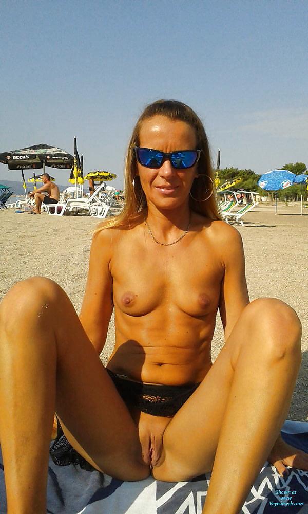 skinny-nudist-wife