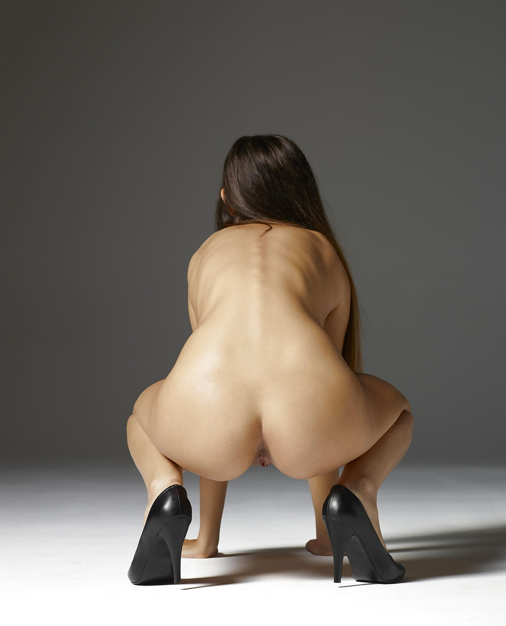porn-movies-girl-squats-down-butt-naked