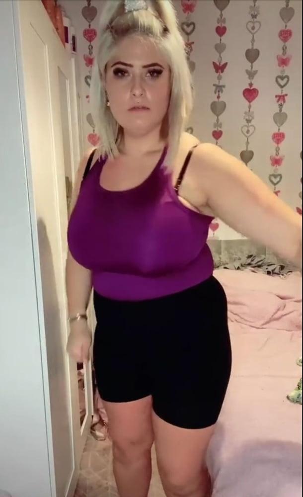 BIG LARGE FAT BOOBS SEXY - 23 Pics