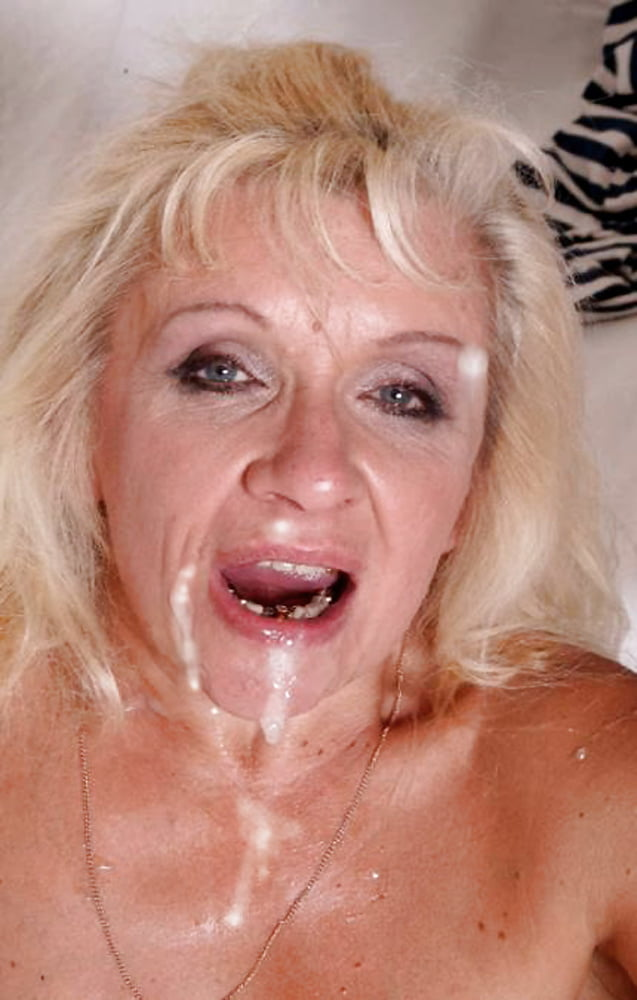 Maedchen Hangetitten Sexmaschine Hardcore