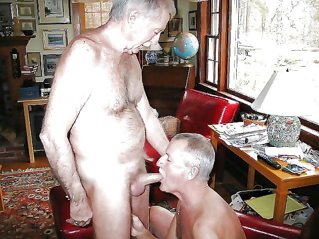 раком порно чисто случайно отсосал зрелый мужик трахал
