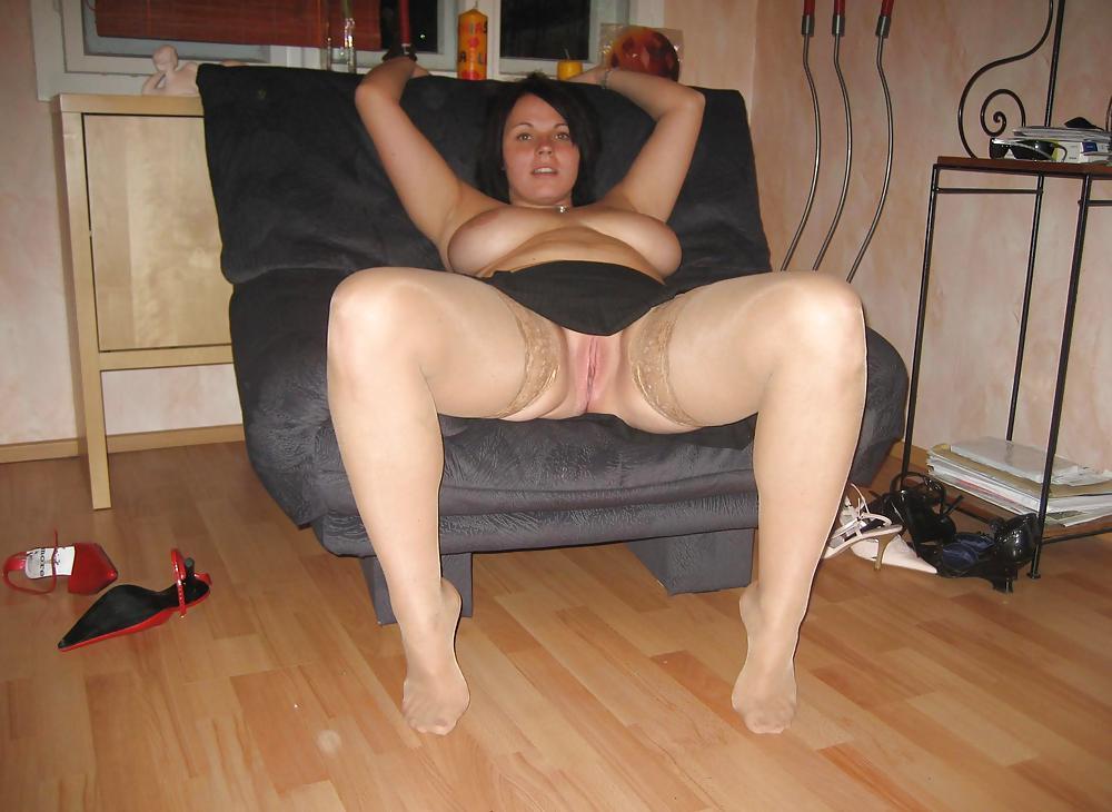 порно видео девки в юбках пухленькие ножки фотографии
