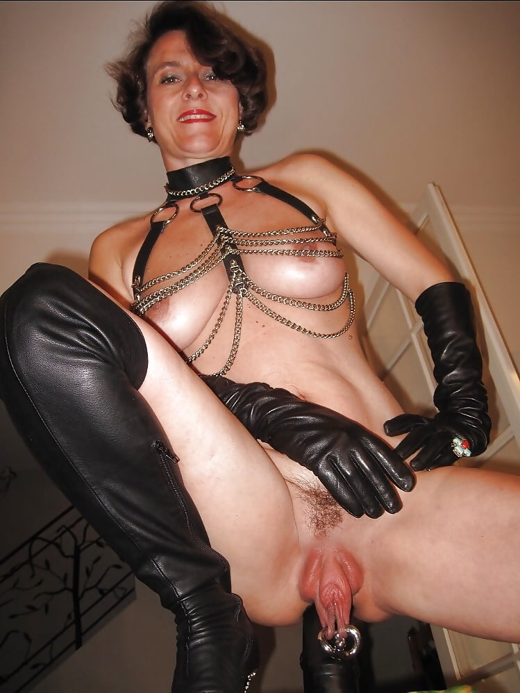 Dame Mopse Brustwarzen Oral