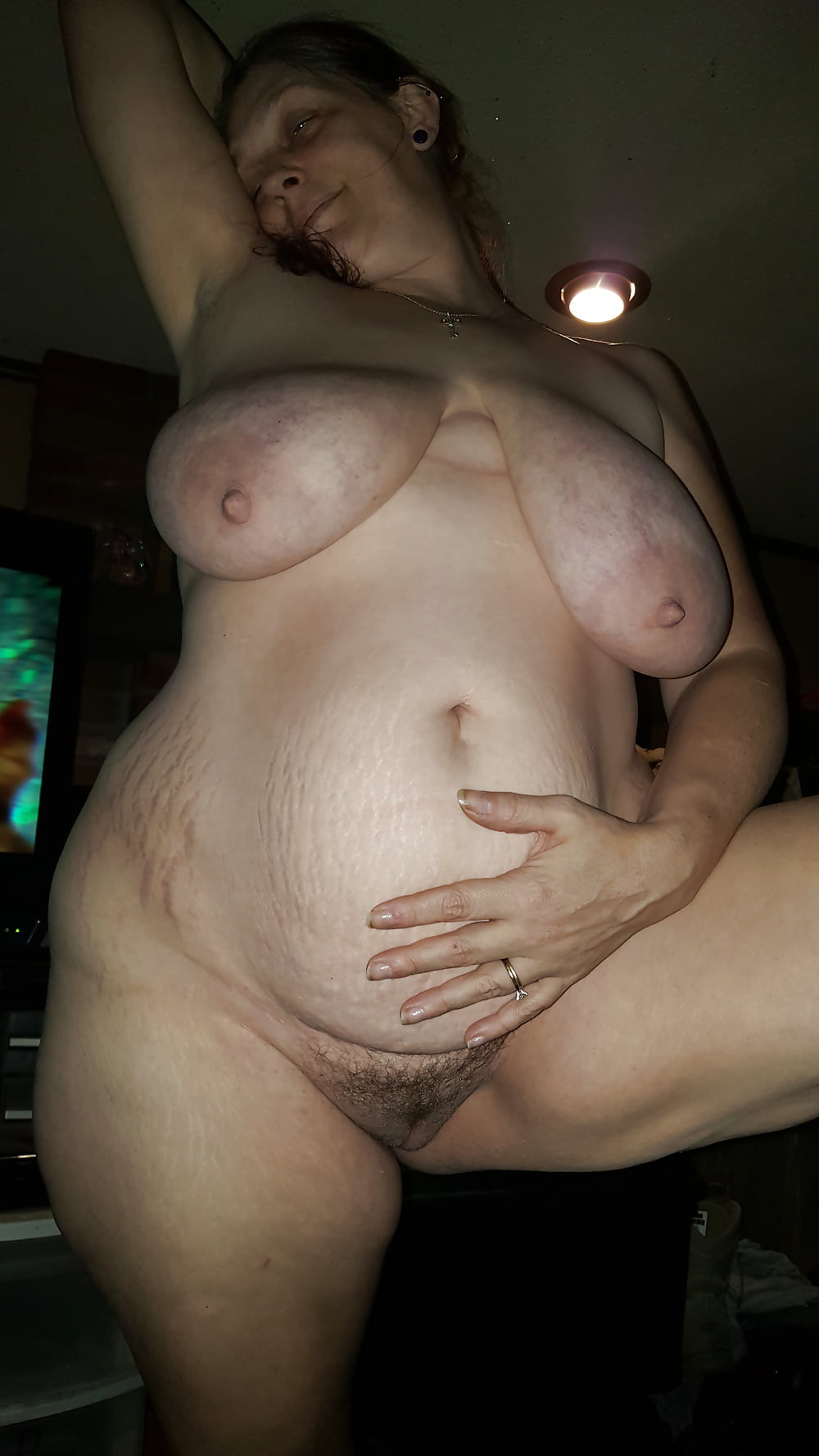 Stretch mark nude busty — 14
