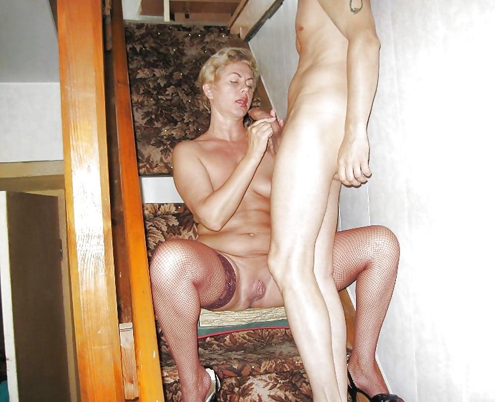 Зрелые проститутки перми готовые с молодыми, несколько хуев кончают в одну дырку