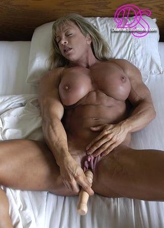Attractive Solomon Nude Gif