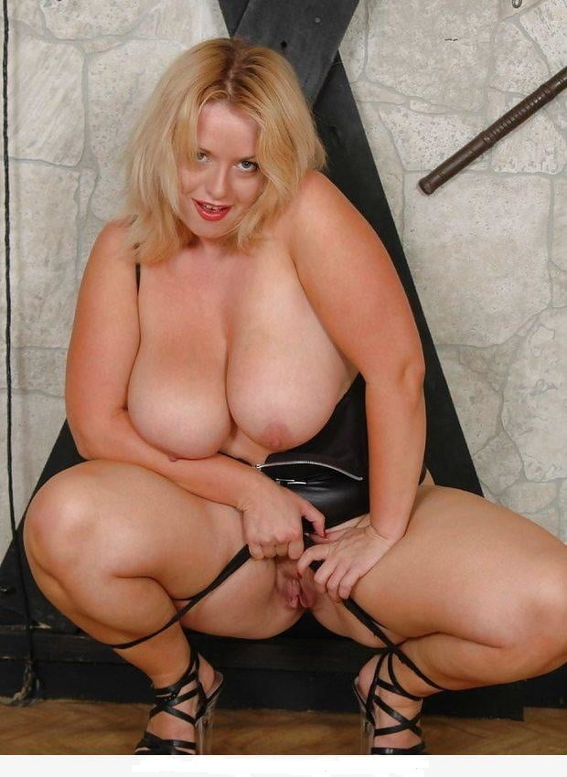 Lindsey ward big tits — pic 2