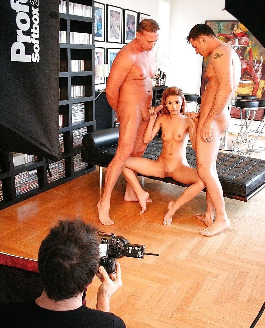 Как снимают порно перед мужьями
